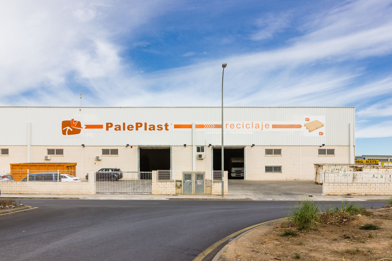 Foto 1 de Reciclaje de residuos en Manises | PalePlast, S. L.