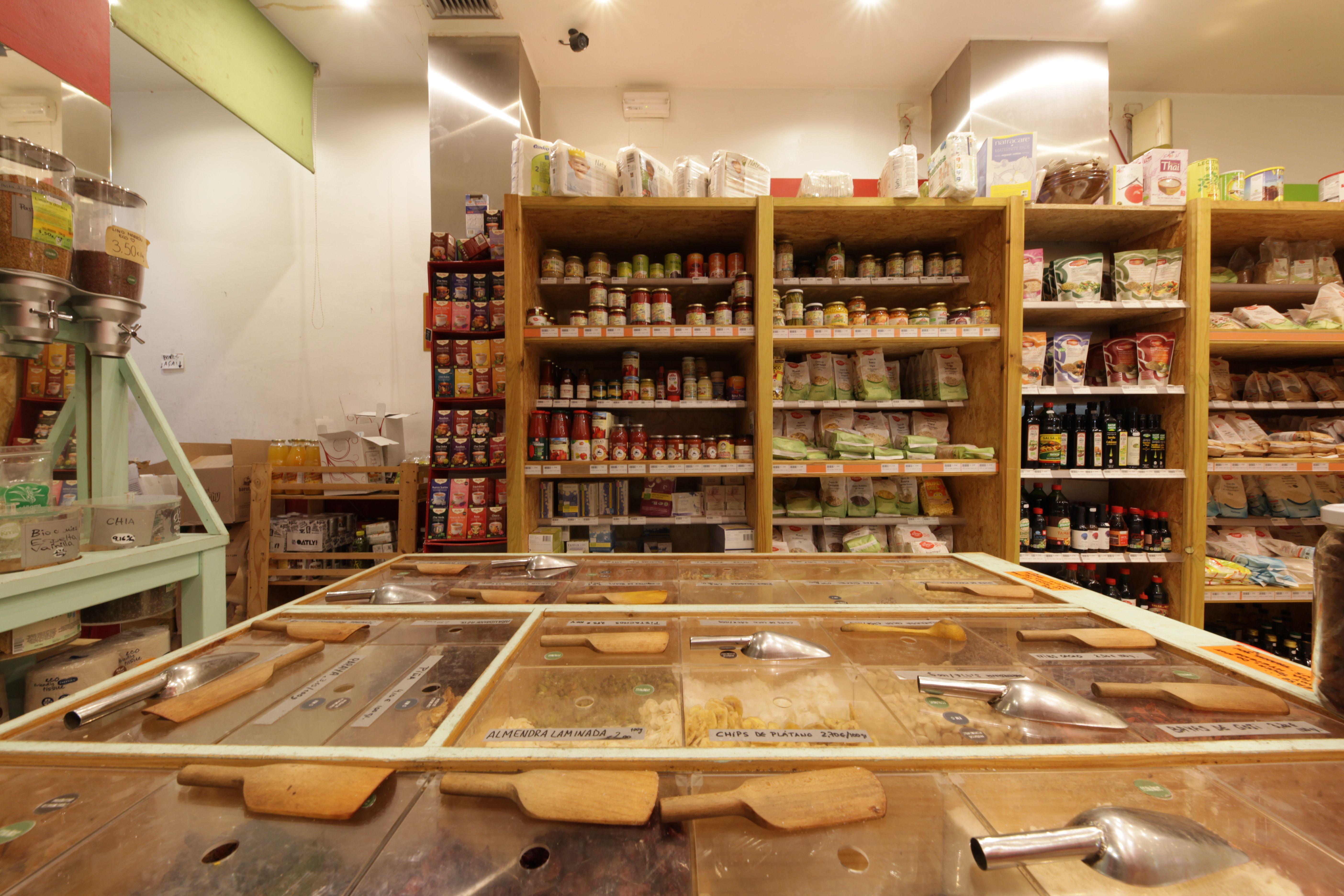 Gran variedad de alimentos veganos Biorganic Ibiza