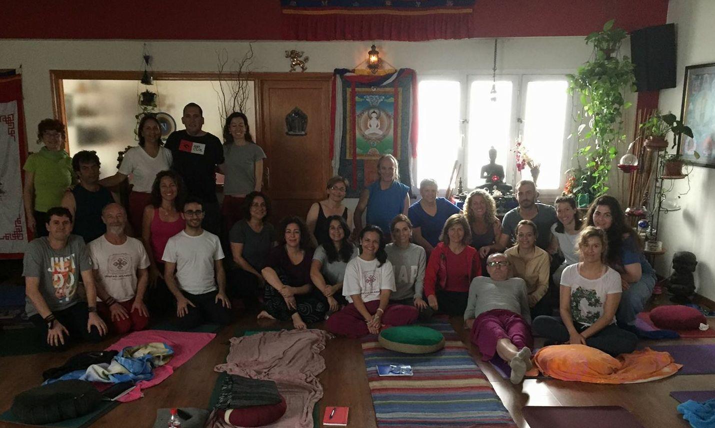 Grupo de Formación de Profesores de Yoga, Centro Milarepa. Disfrutando del momento, estableciendo en la Mente del Principiante