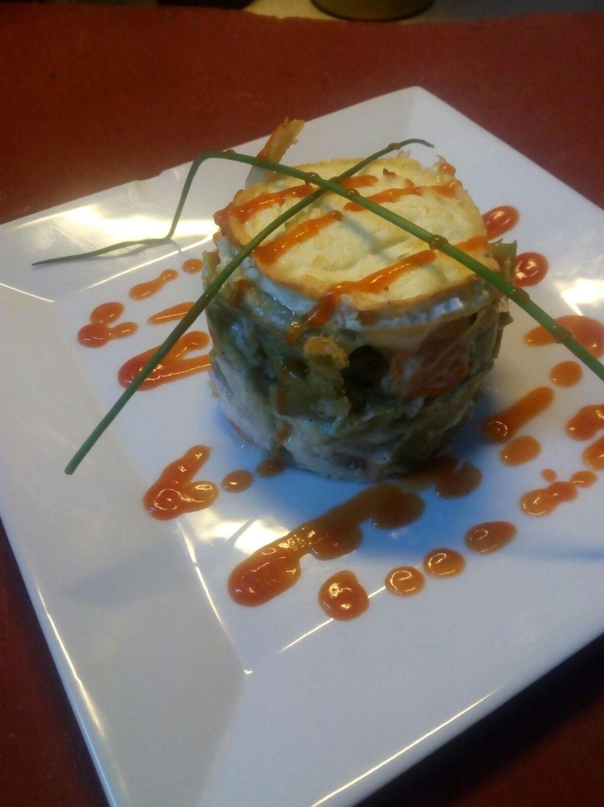 Timbal de verduras con queso de cabra. Restaurante A Bodeguiña Alcorcón