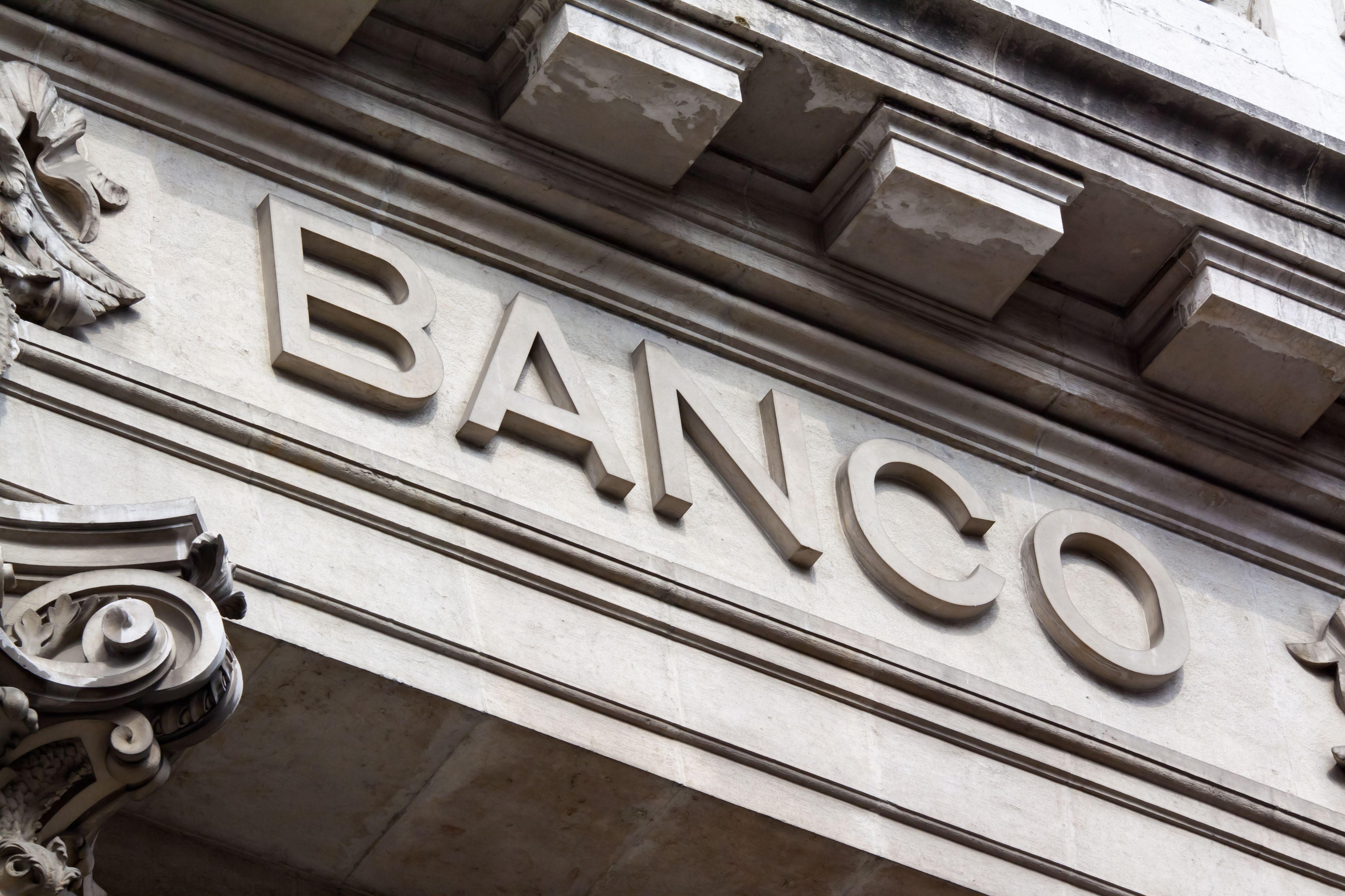 Derecho bancario: Servicios de Carolina Álvarez Moro