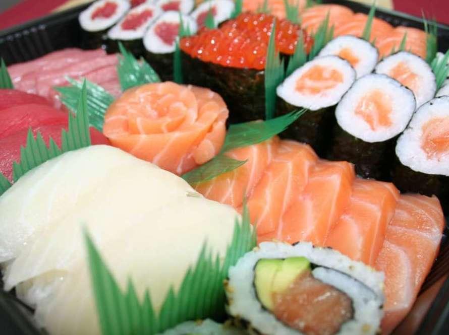 Menú familiar: Especialidades y menús de Sushikai Tarraco