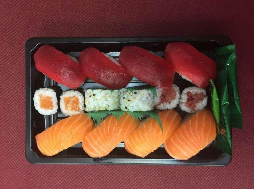 Sushi atún