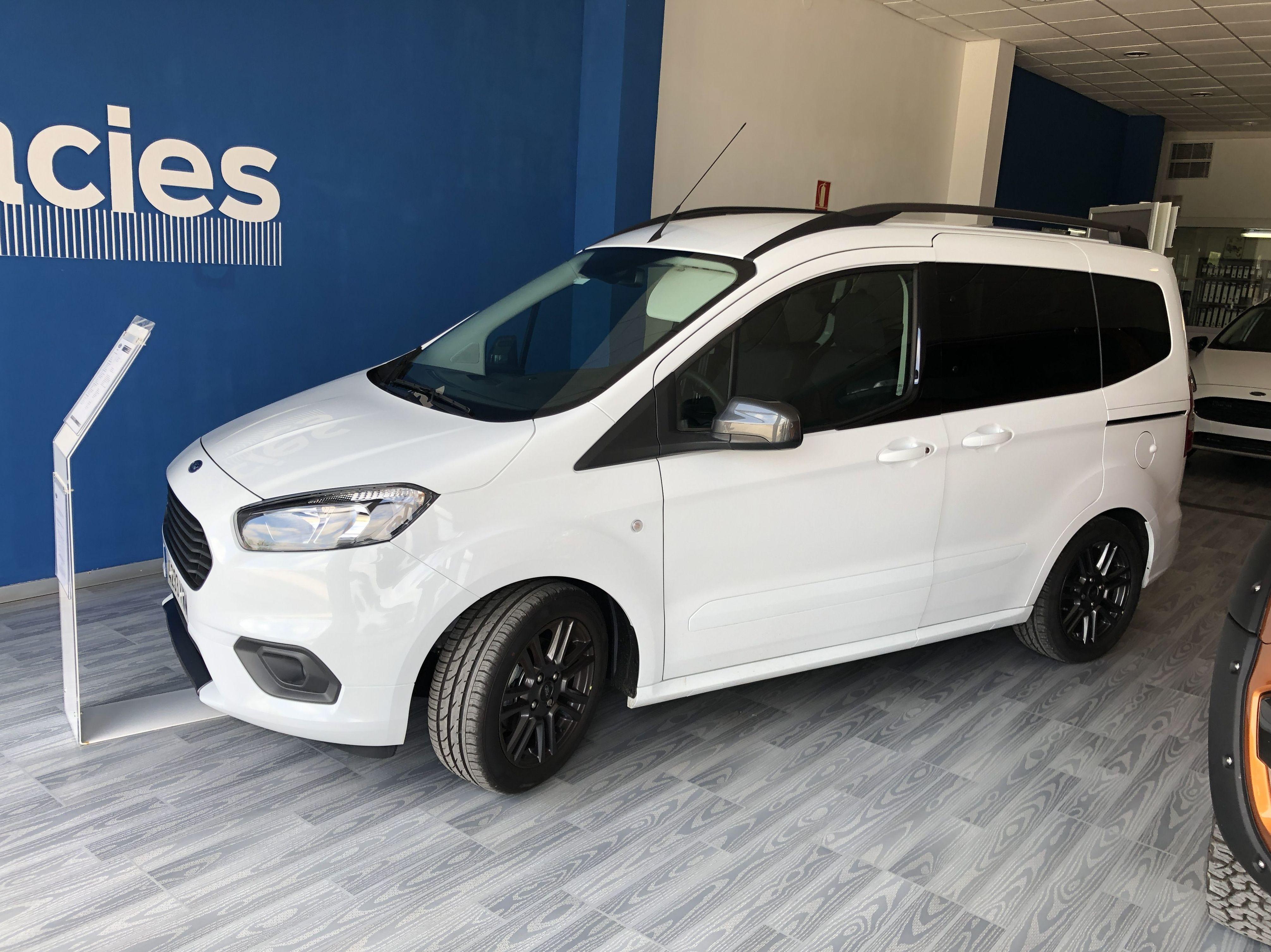 Ford Tourneo Courier 1000 ecoboost Sport 14600€: Coches Km 0 y de ocasión de Automoció Bertran S L