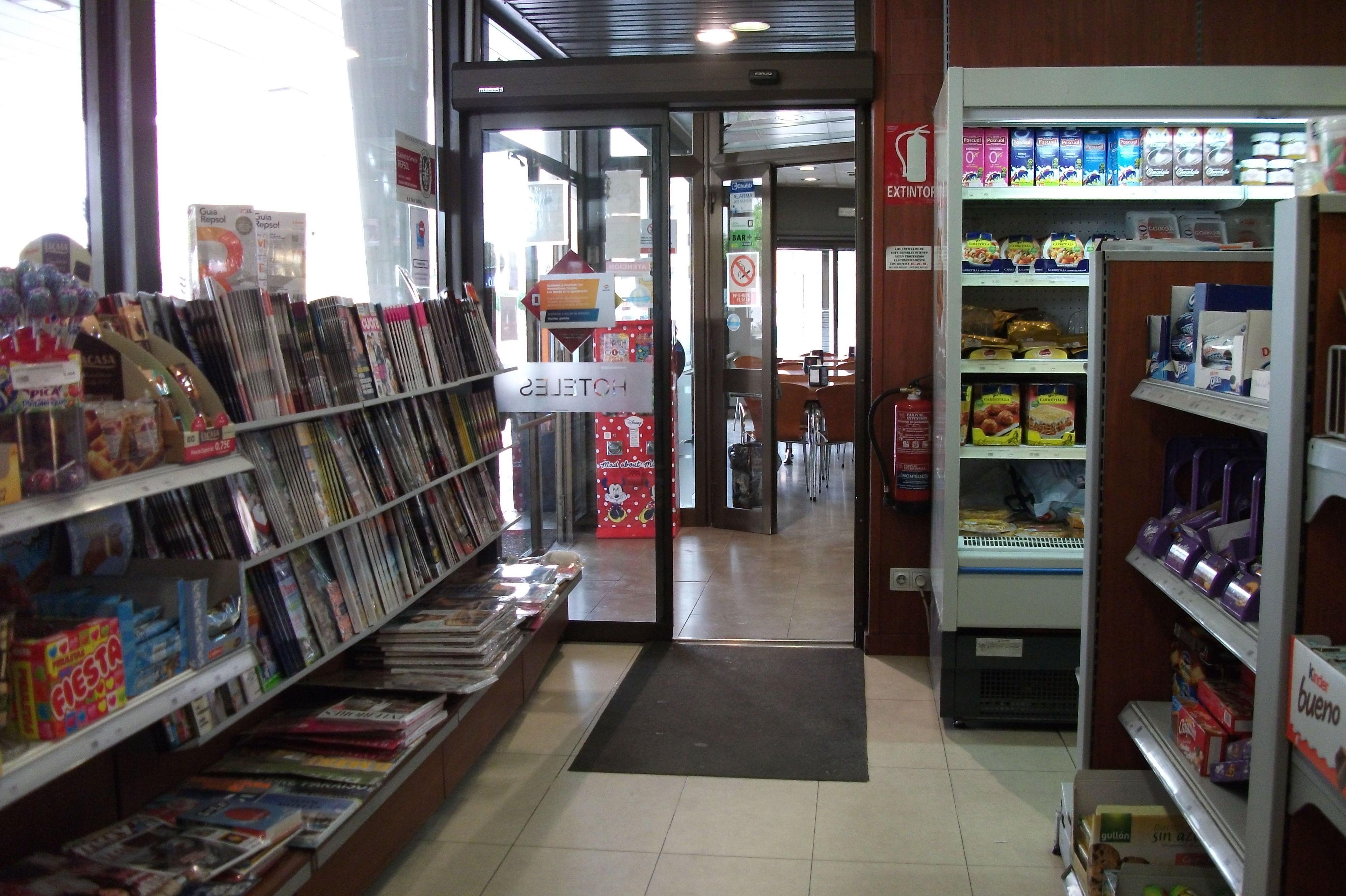 Tienda en la estación de servicio