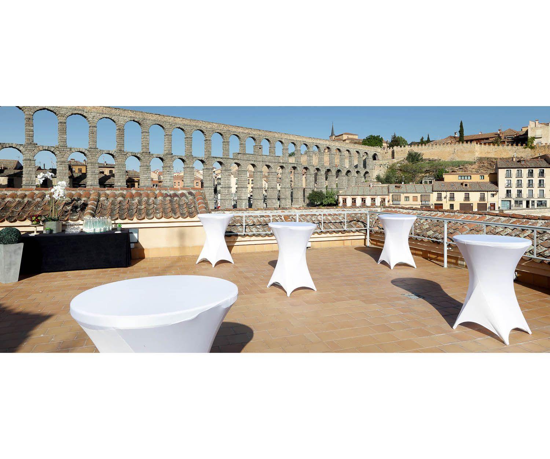 Nuestra terraza con espectaculares vistas al Acueducto de Segovia