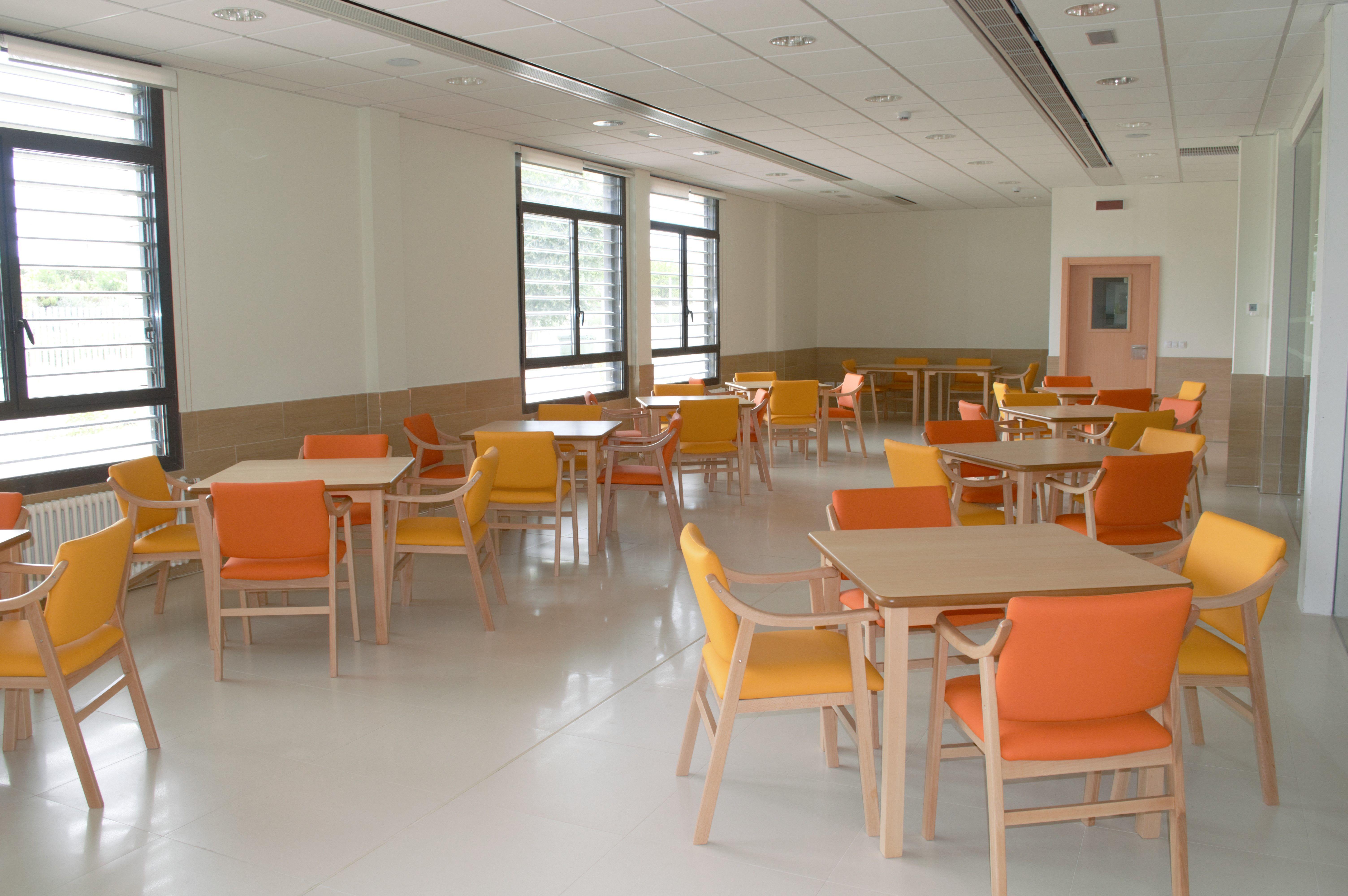 Foto 3 de Residencia de ancianos de nueva apertura y centro de día en  | Residencia Los Manantiales Del Burgo