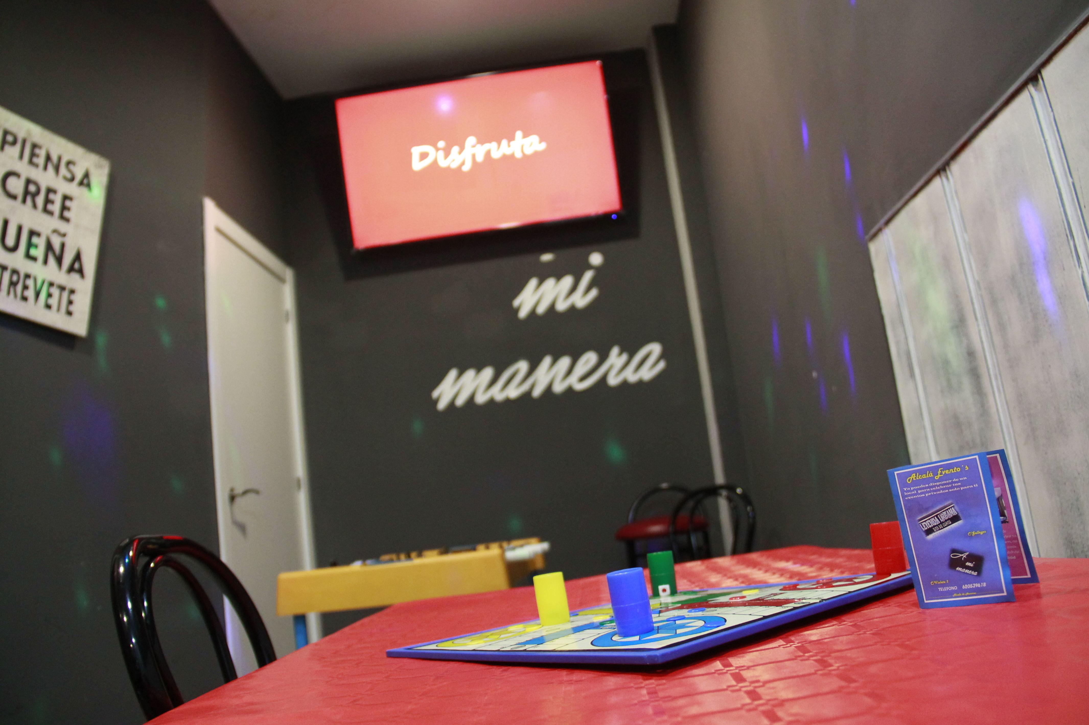 A Mi Manera piensa en todos, desde los más peques hasta los más mayores, con juegos de mesa, mini-futbolín y karaoke