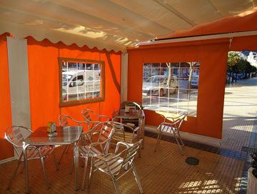 Acondicionamiento de terrazas de hostelería con toldos y cubiertas para el invierno