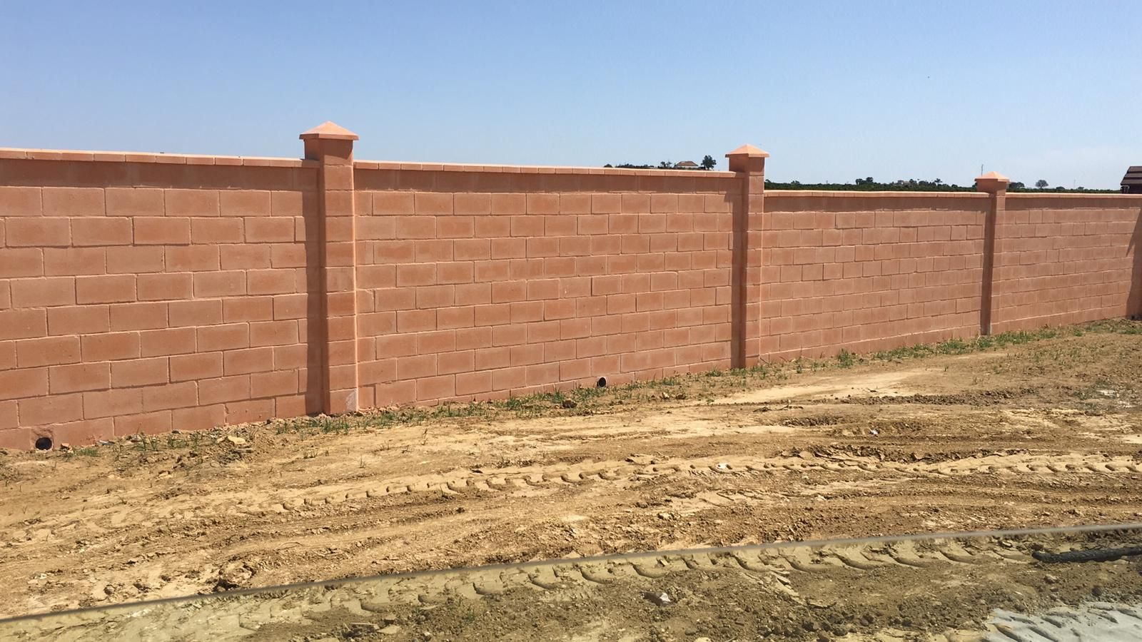 Construcción de muros en Huelva