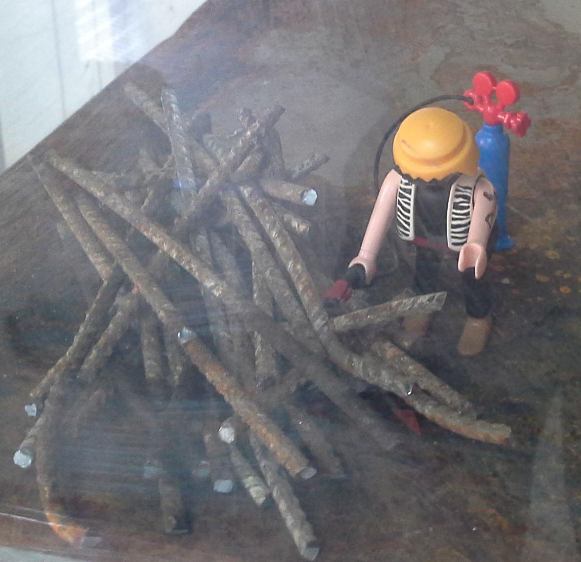 playmobil cortando con soplete en Chatarras Clemente