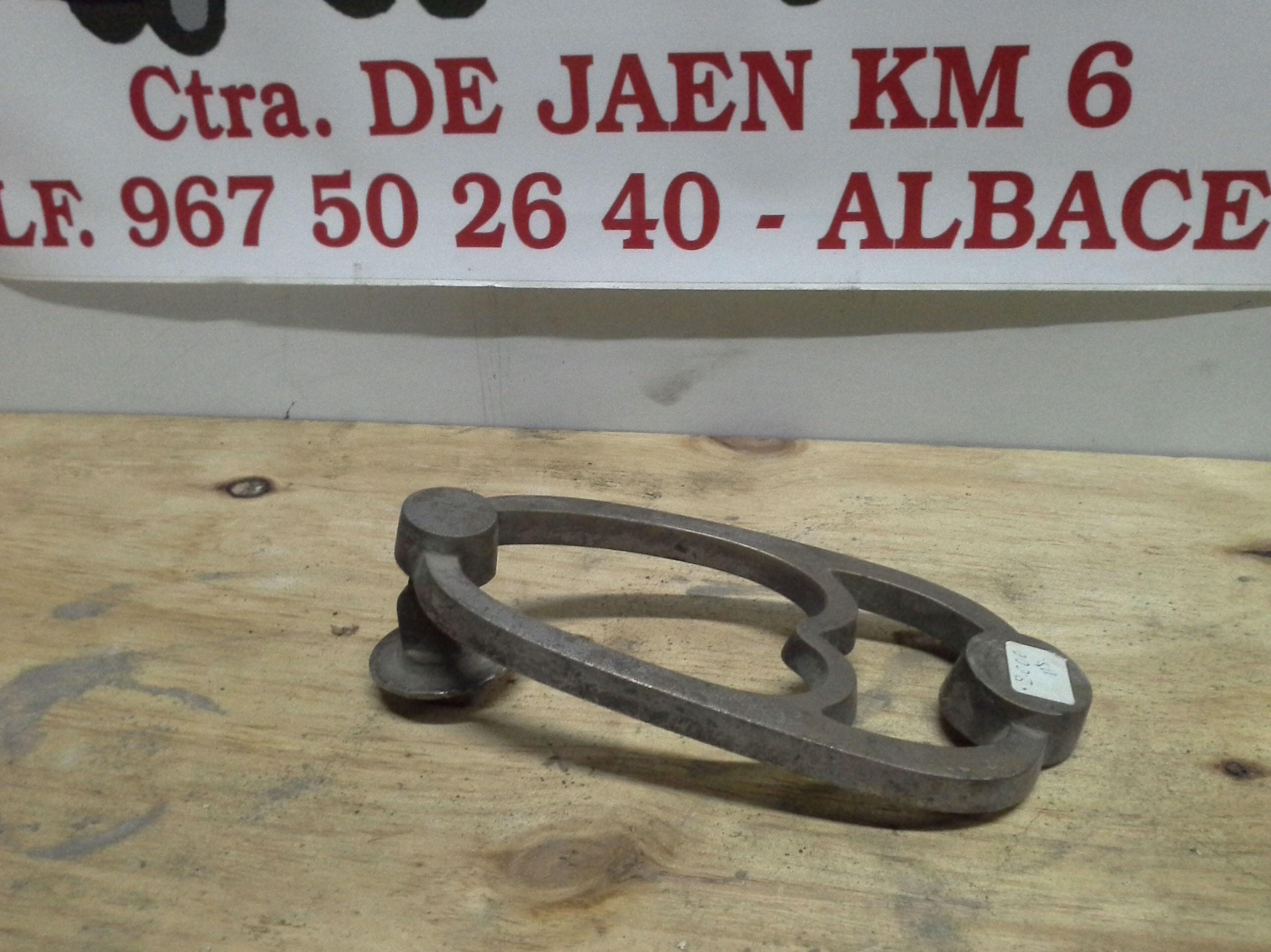 Llamador de laton en desguaces clemente de Albacete