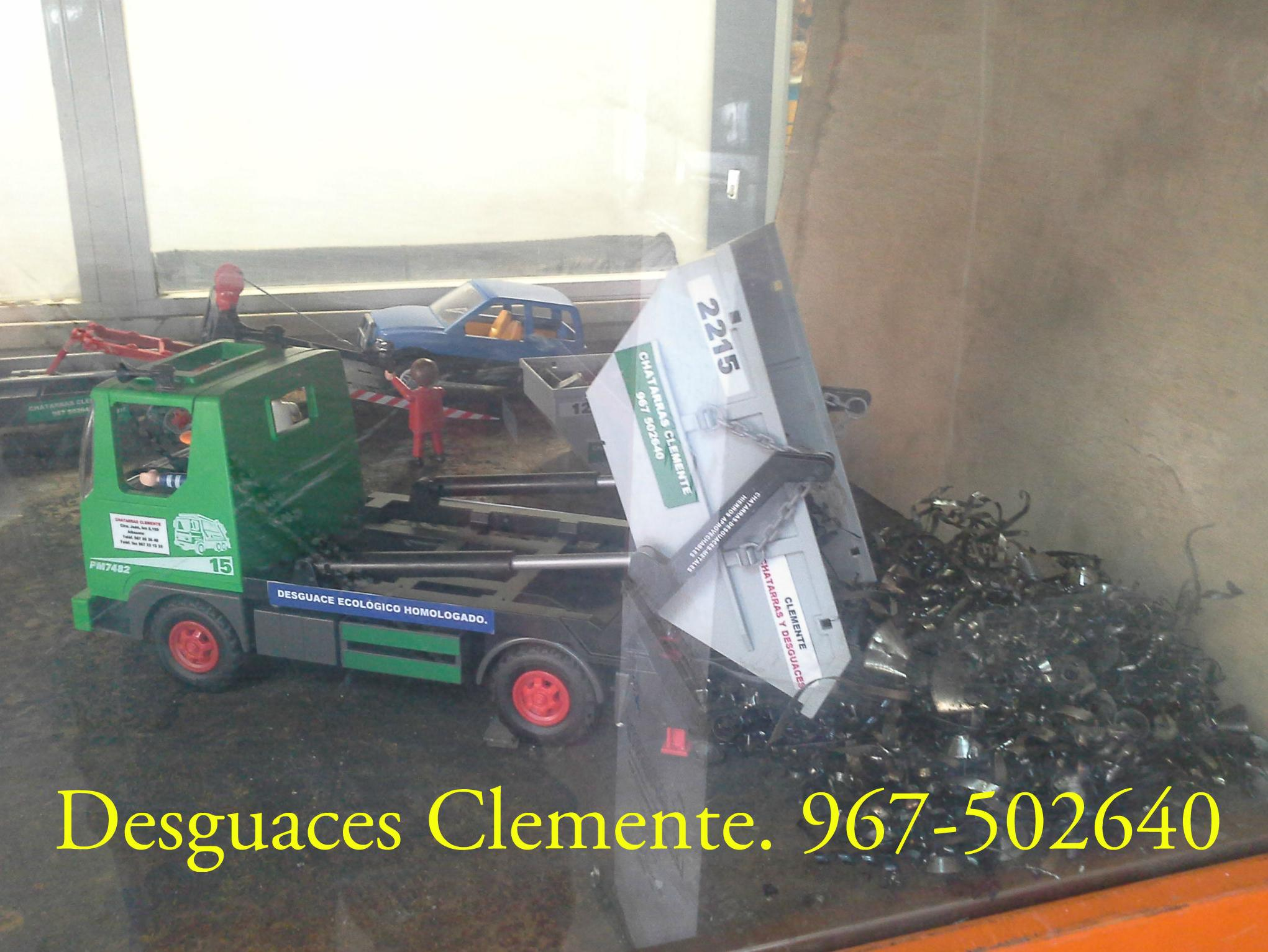 Chatarras y desguaces Clemente. Playmobil. contenedor y grua