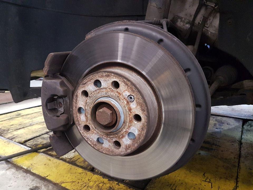 Pastillas y discos de freno: Servicios de Neumáticos y Mecánica Rafa Jaén