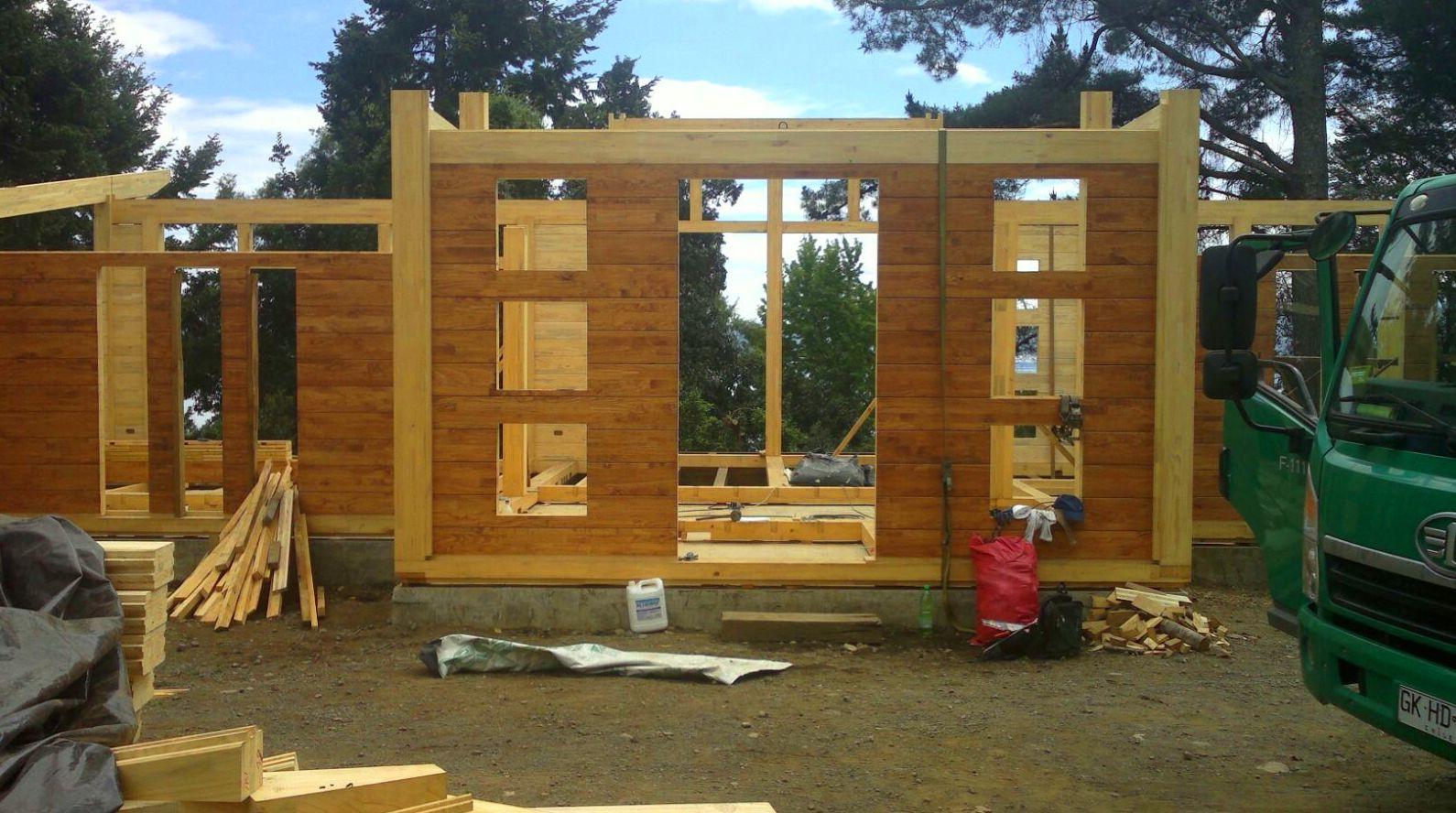 Montaje casa de madera Cortelima en Chile