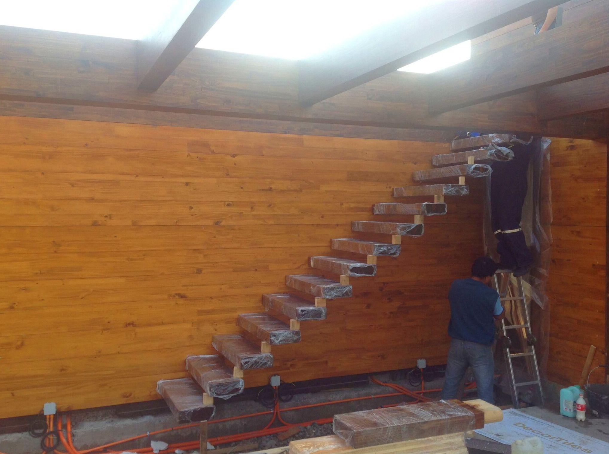 Montaje Escalera de Madera
