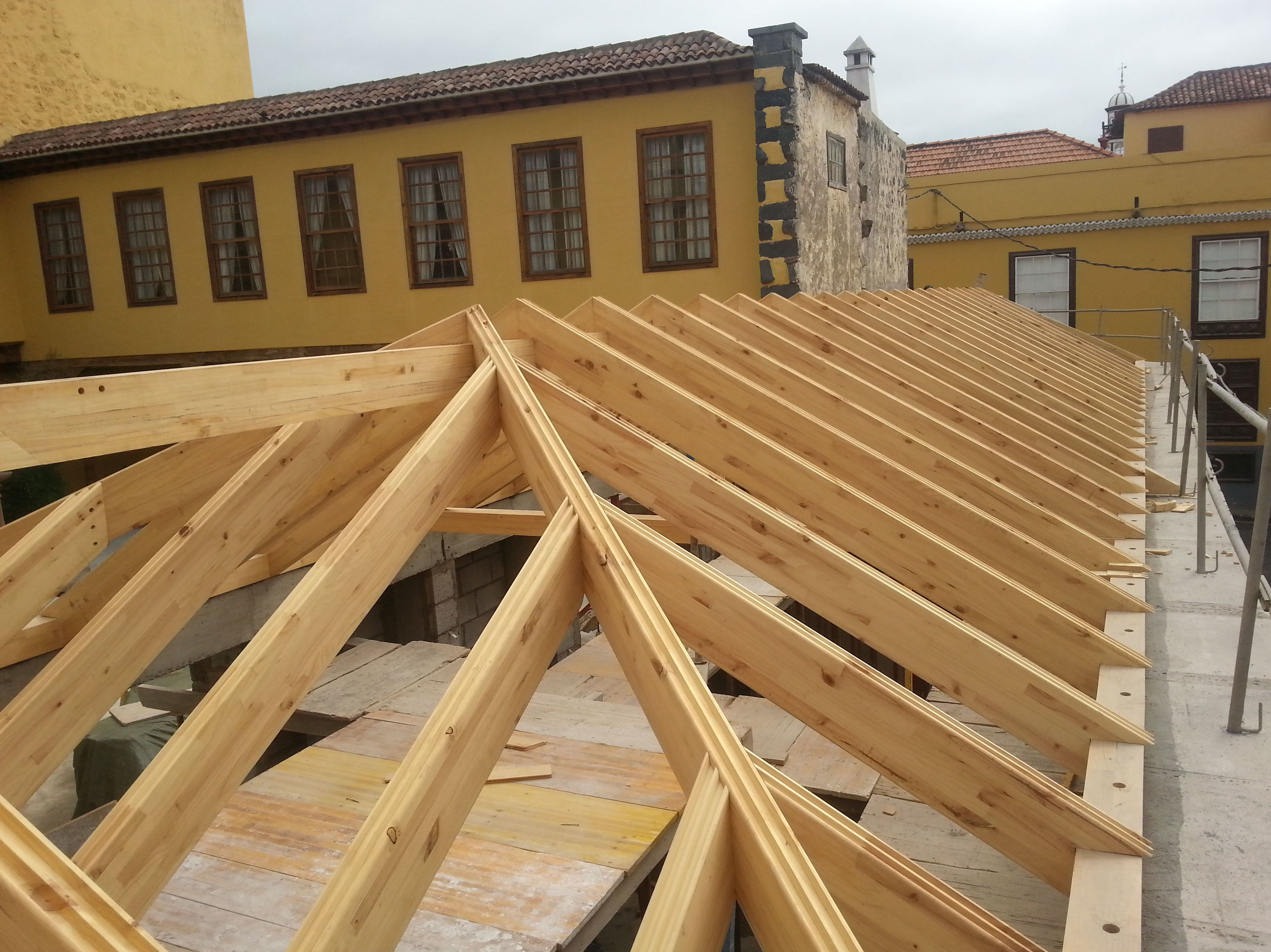 wooden roof installation and reformation CORTELIMA