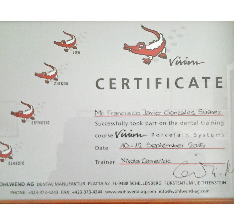 Certificado de nuestro protésico dental
