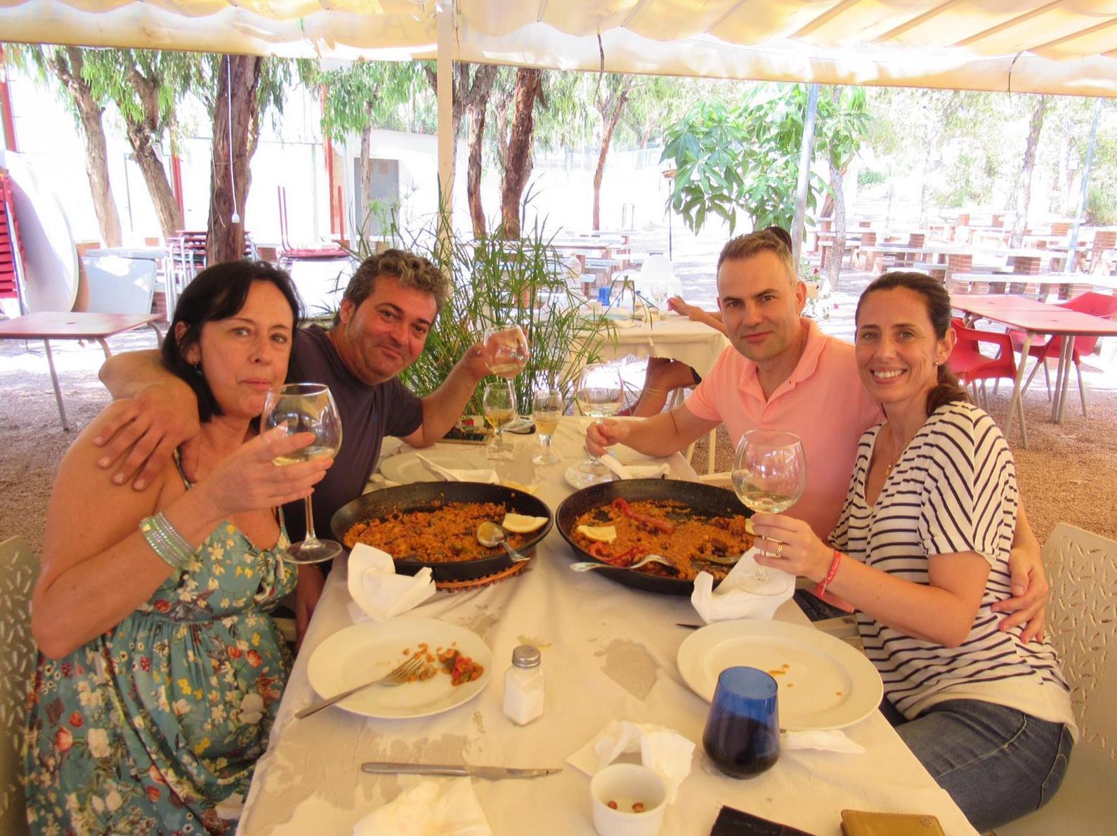 Compartiendo dos paellas, Restaurante Bonavista. Elche