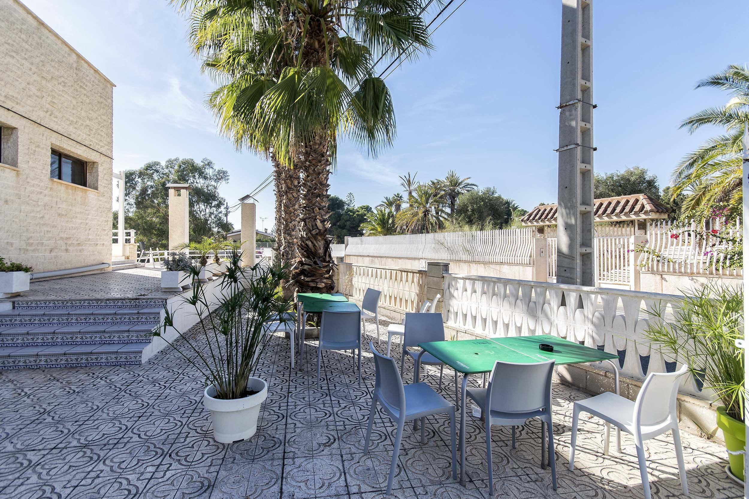 Restaurante con gran terraza de verano en Elche