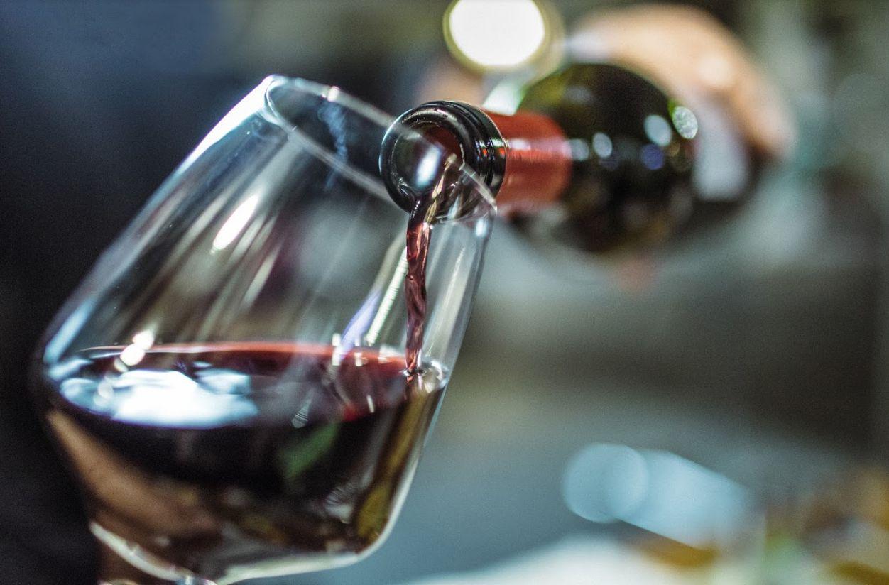 Amplia carta de vinos y cervezas en Ávila