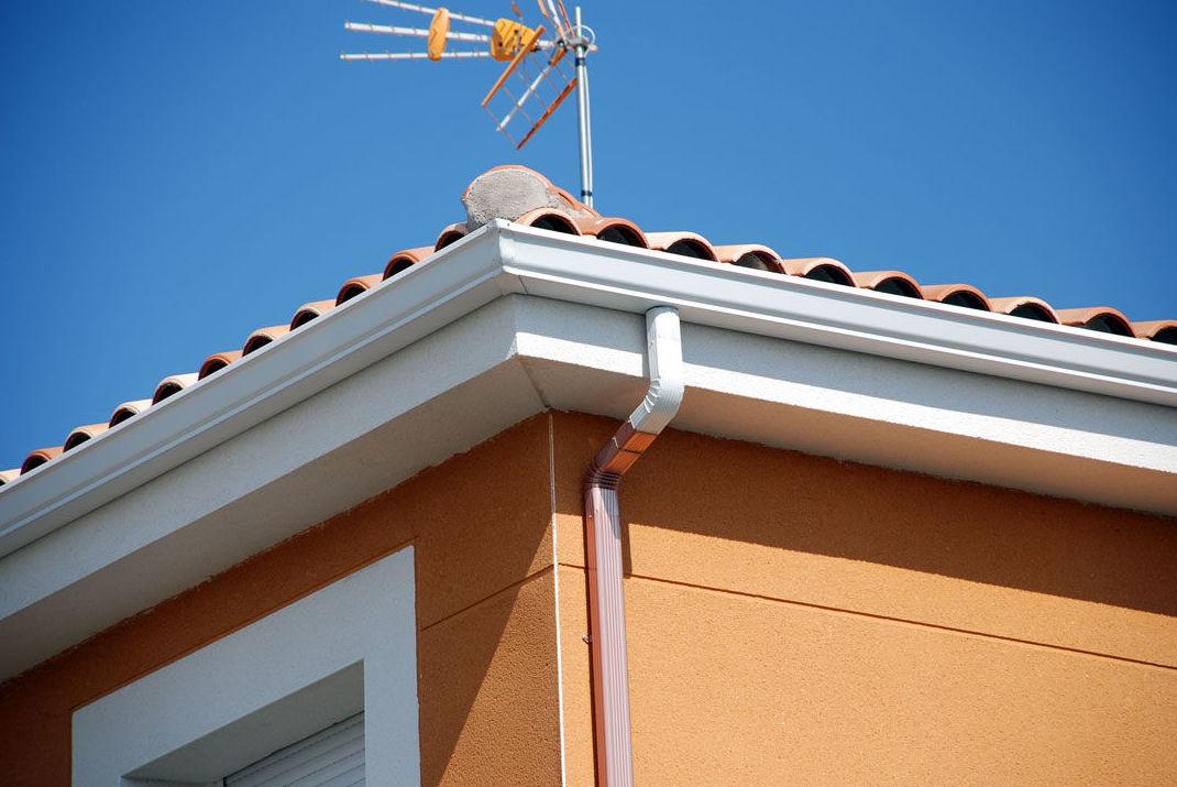 Foto 6 de canal n de aluminio en valdemoro canal n cleaners - Instalacion de canalones ...