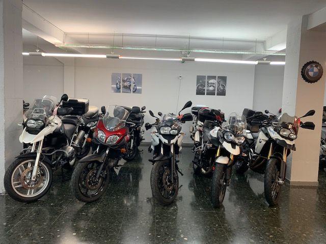 Compraventa de motos usadas en el Eixample