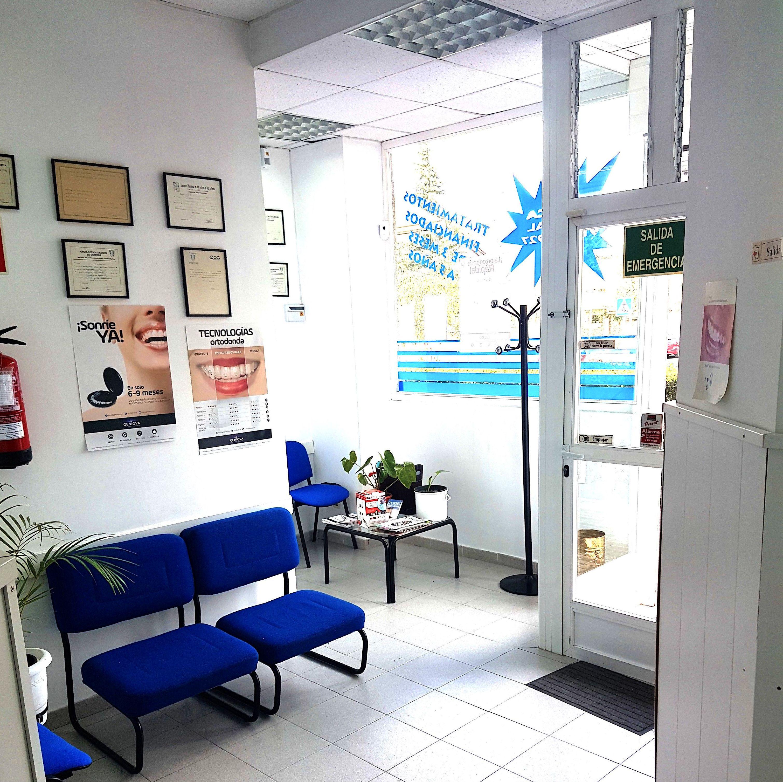 Sala de espera de clinica dental en Rivas Vaciamadrid