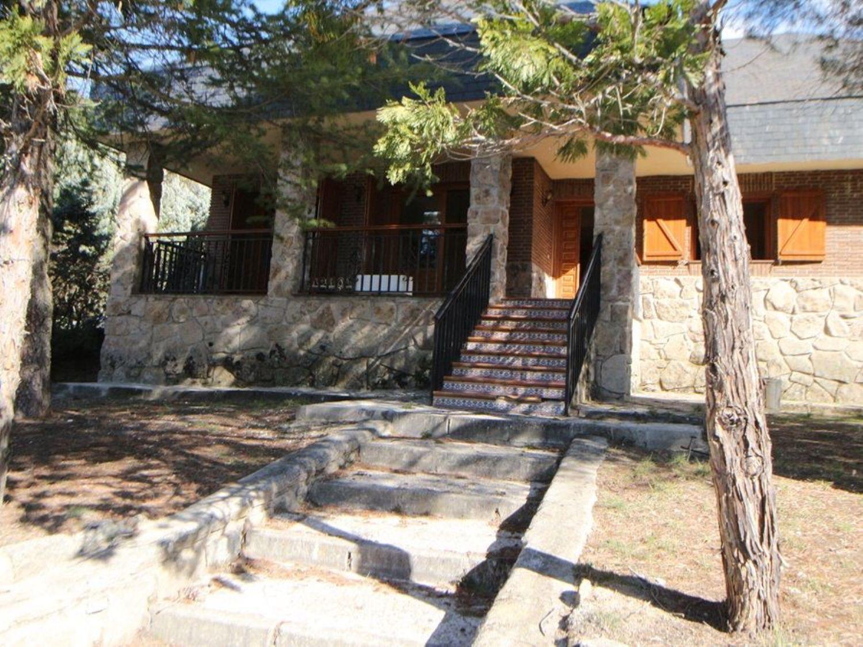 Casa// Chalet independiente en venta C/ Diez, Navalquejigo - Los Arroyos: Inmuebles de Copun Inmobiliaria