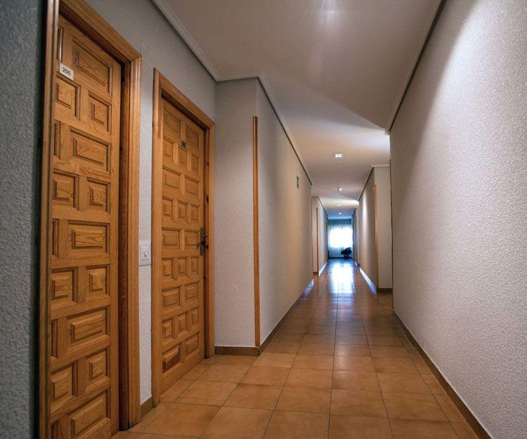 Pasillo de acceso a las habitaciones del hotel