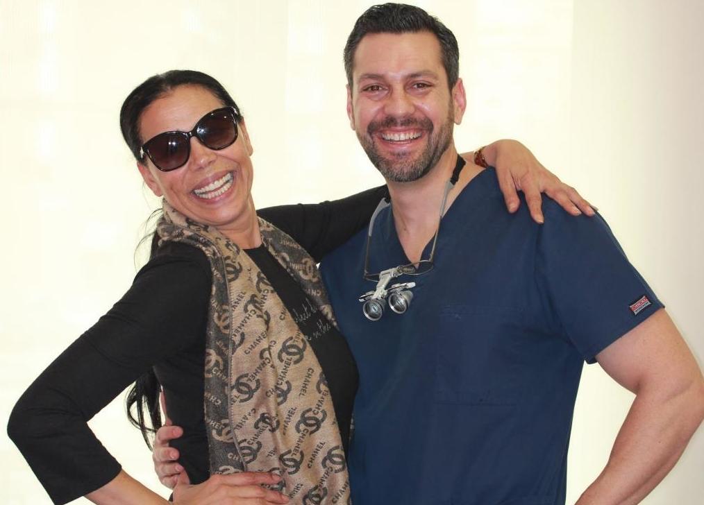 Toñi Salazar con el Dr. Carlos J. Mtnz