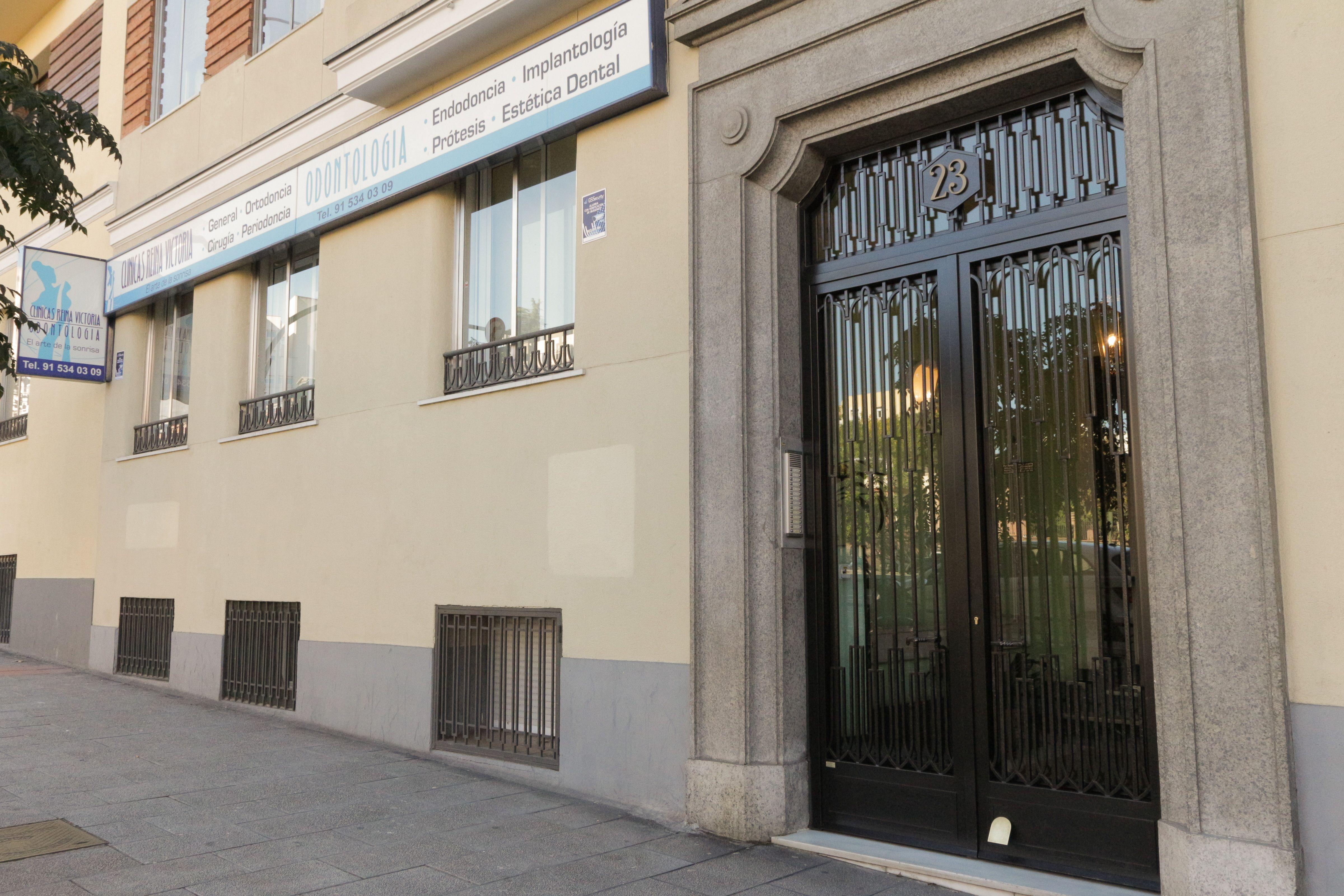 Foto 7 de Clínicas dentales en Madrid | Clínica Dental Reina Victoria 23