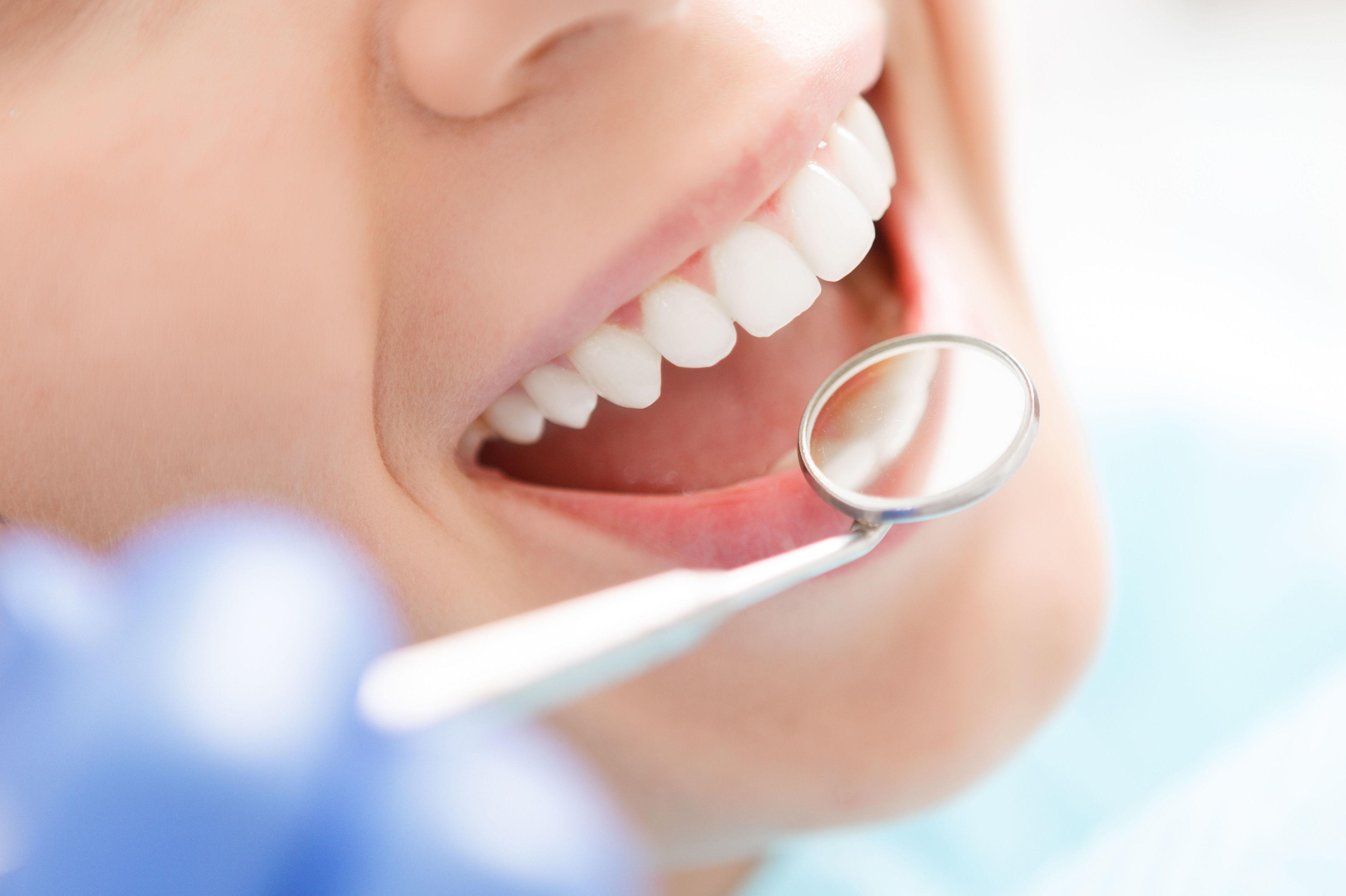 Foto 26 de Clínicas dentales en Madrid | Clínica Dental Reina Victoria 23