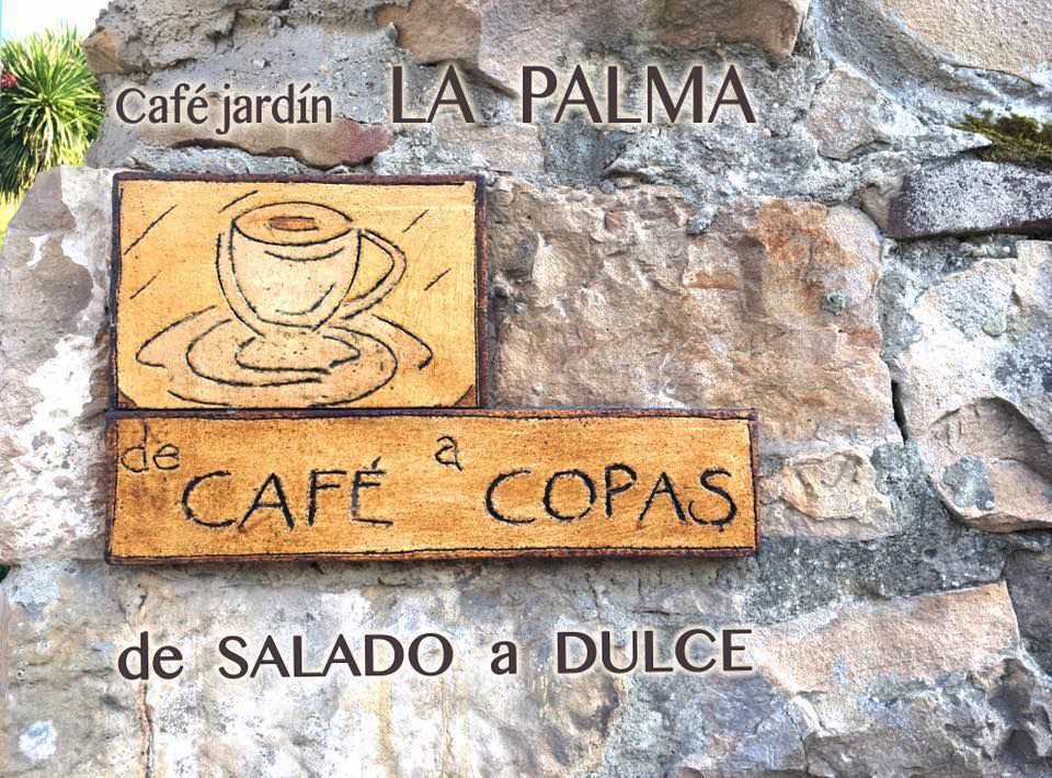 De café a copas en Café Jardín La Palma, Cabrales