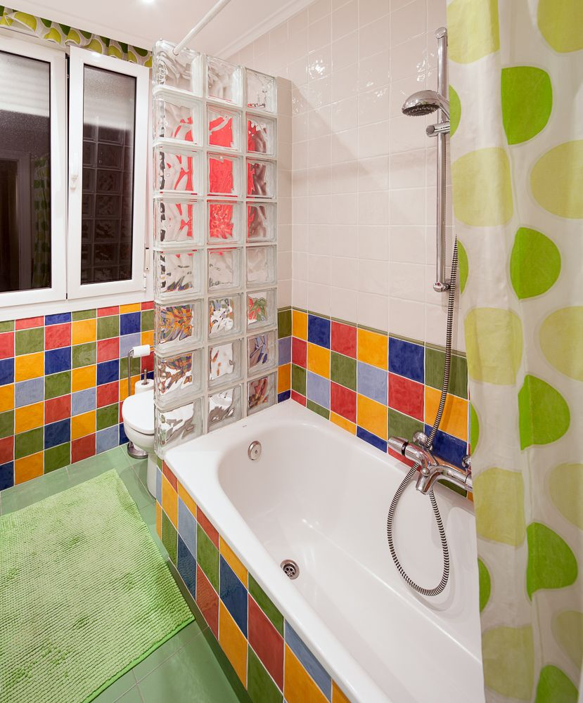 Baños reformados con distintos estilos