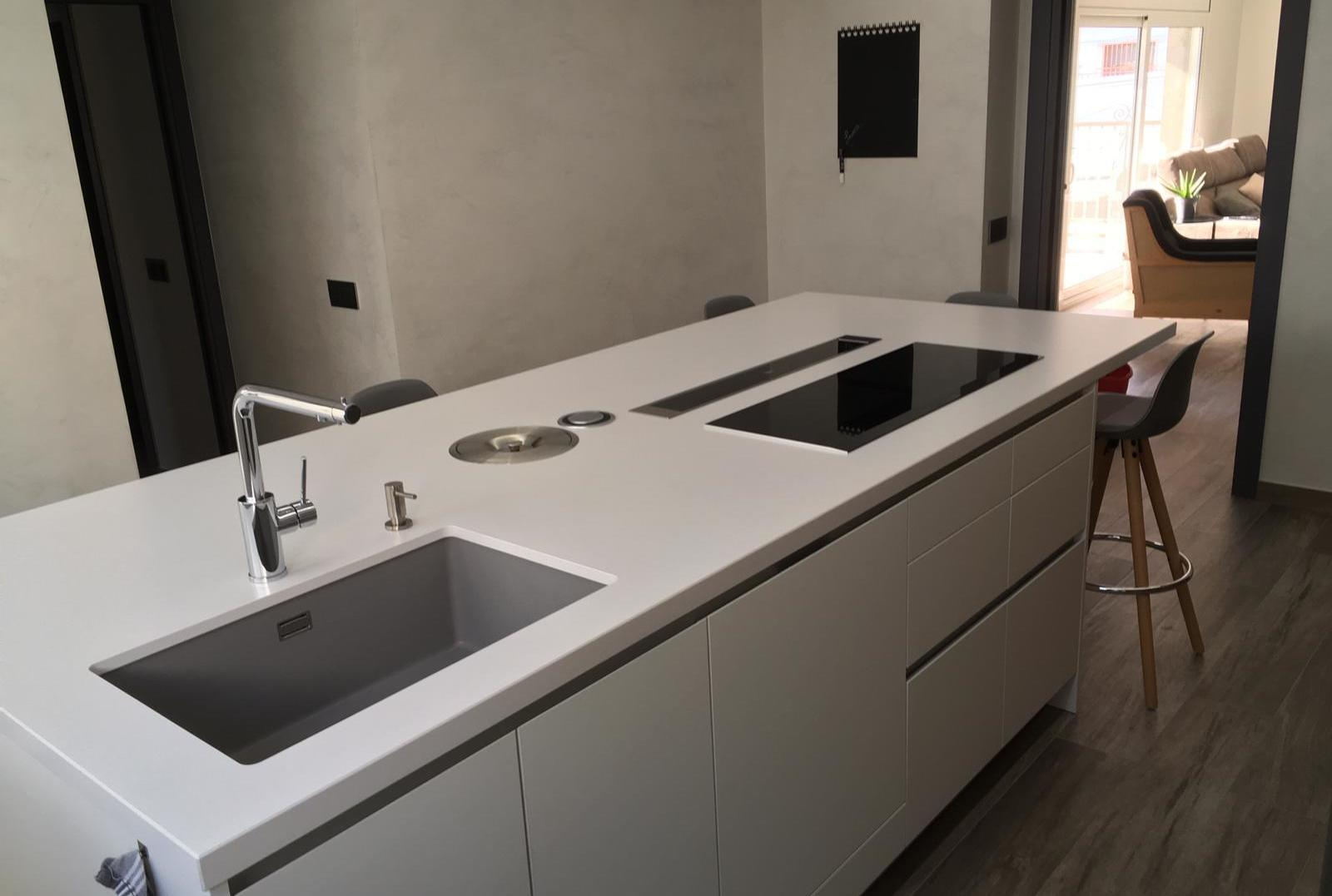 Silestone White Storm Suede