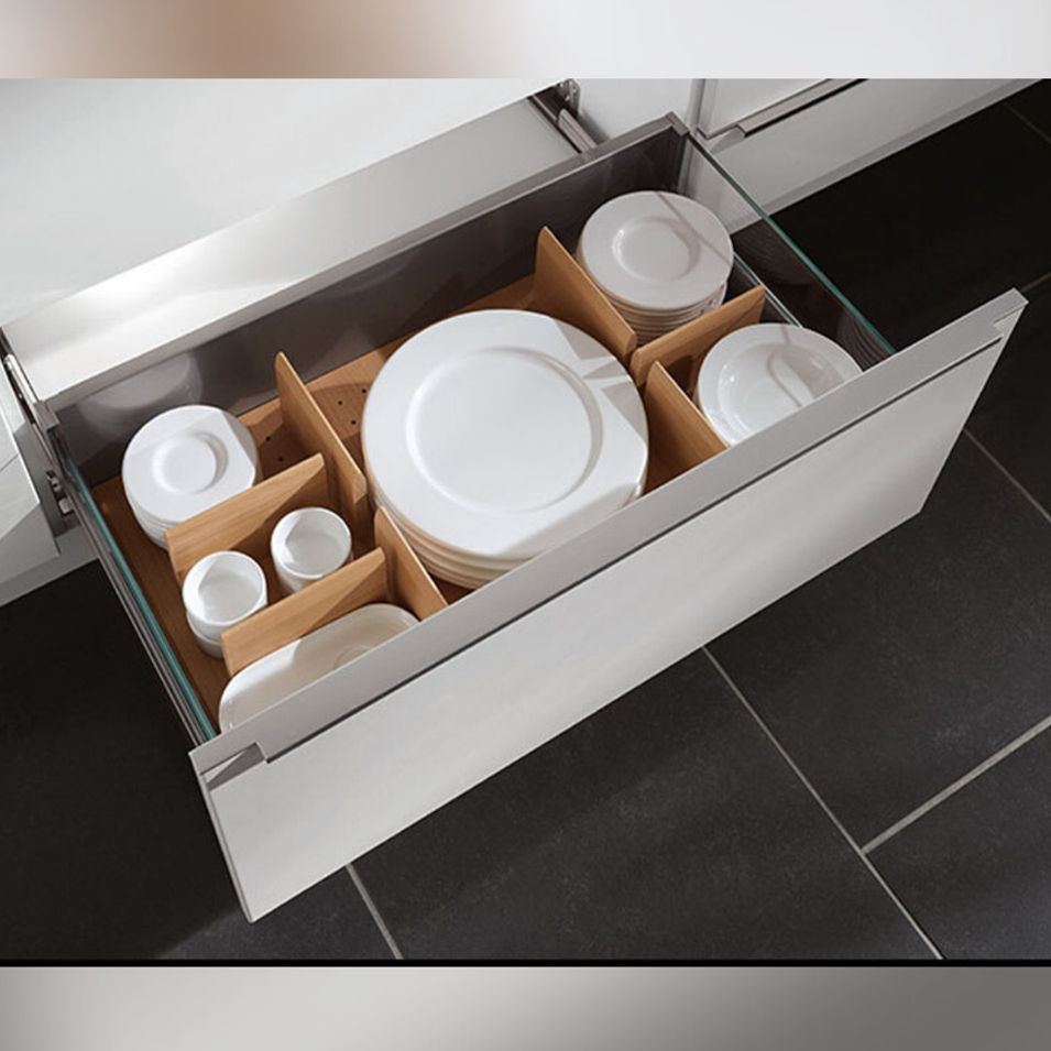 Sistemas de organización para cajones y gavetas ofrecen un espacio para guardar estructurado para todo lo que usted desea guardar en su cocina