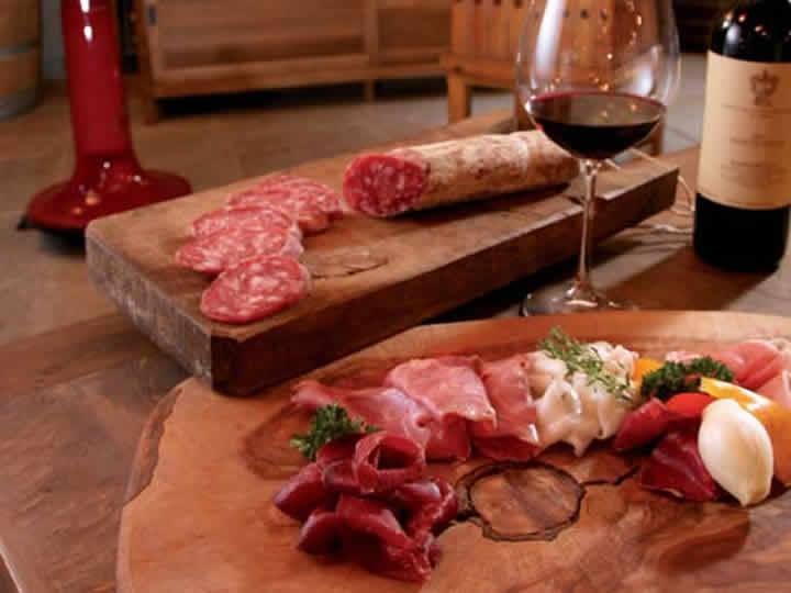 Tienda con especialidad en carnes y embutidos en Madrid