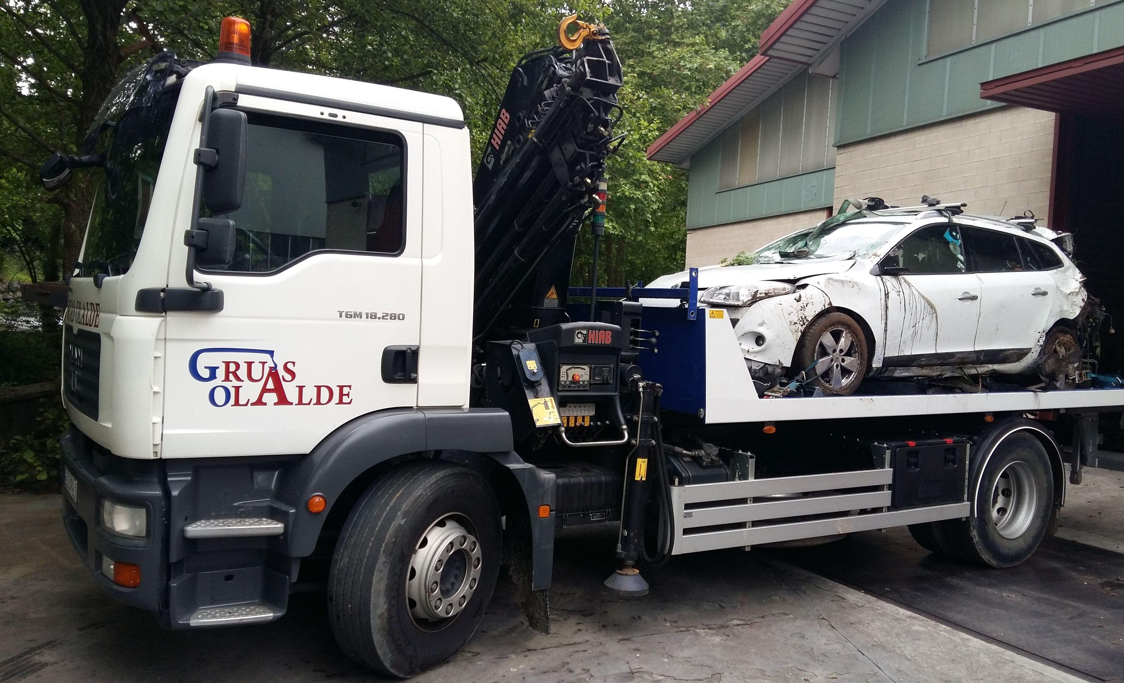 Foto 1 de Grúas para vehículos en Oiartzun | Grúas Olalde