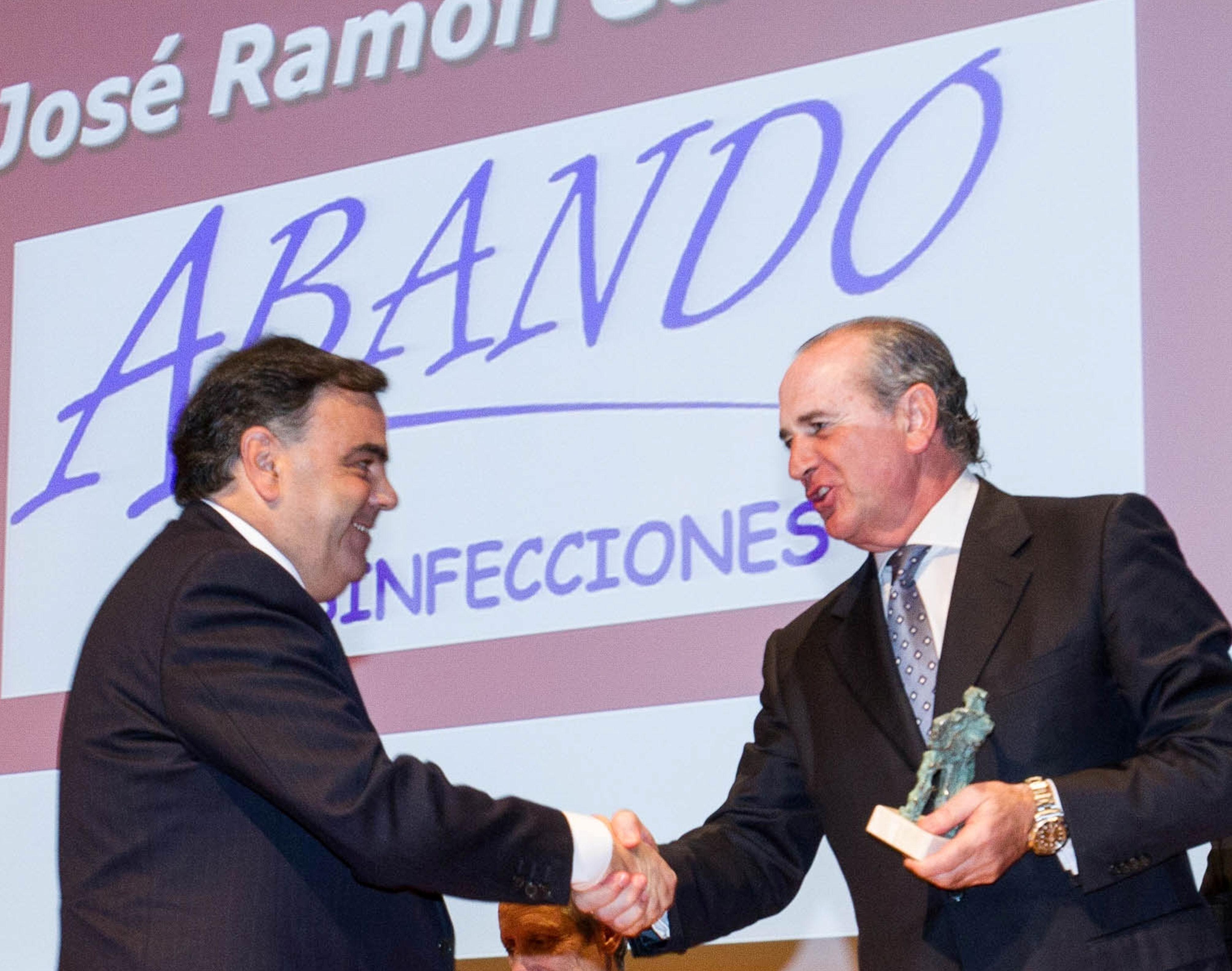 DESINFECCIONES ABANDO - Confebask: Premio 2013 al mejor instructor en Bizkaia