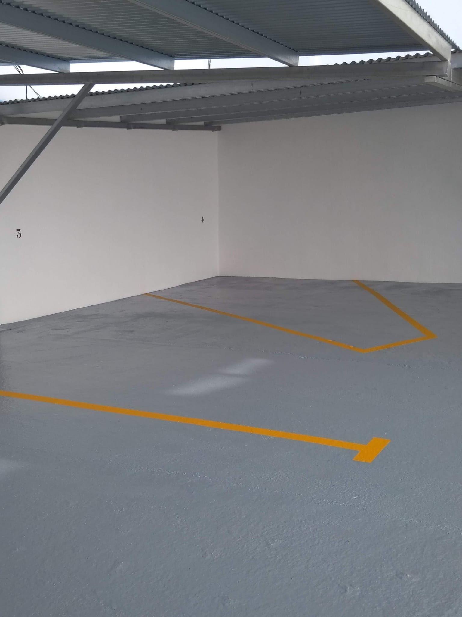 Garaje pintado San Javier