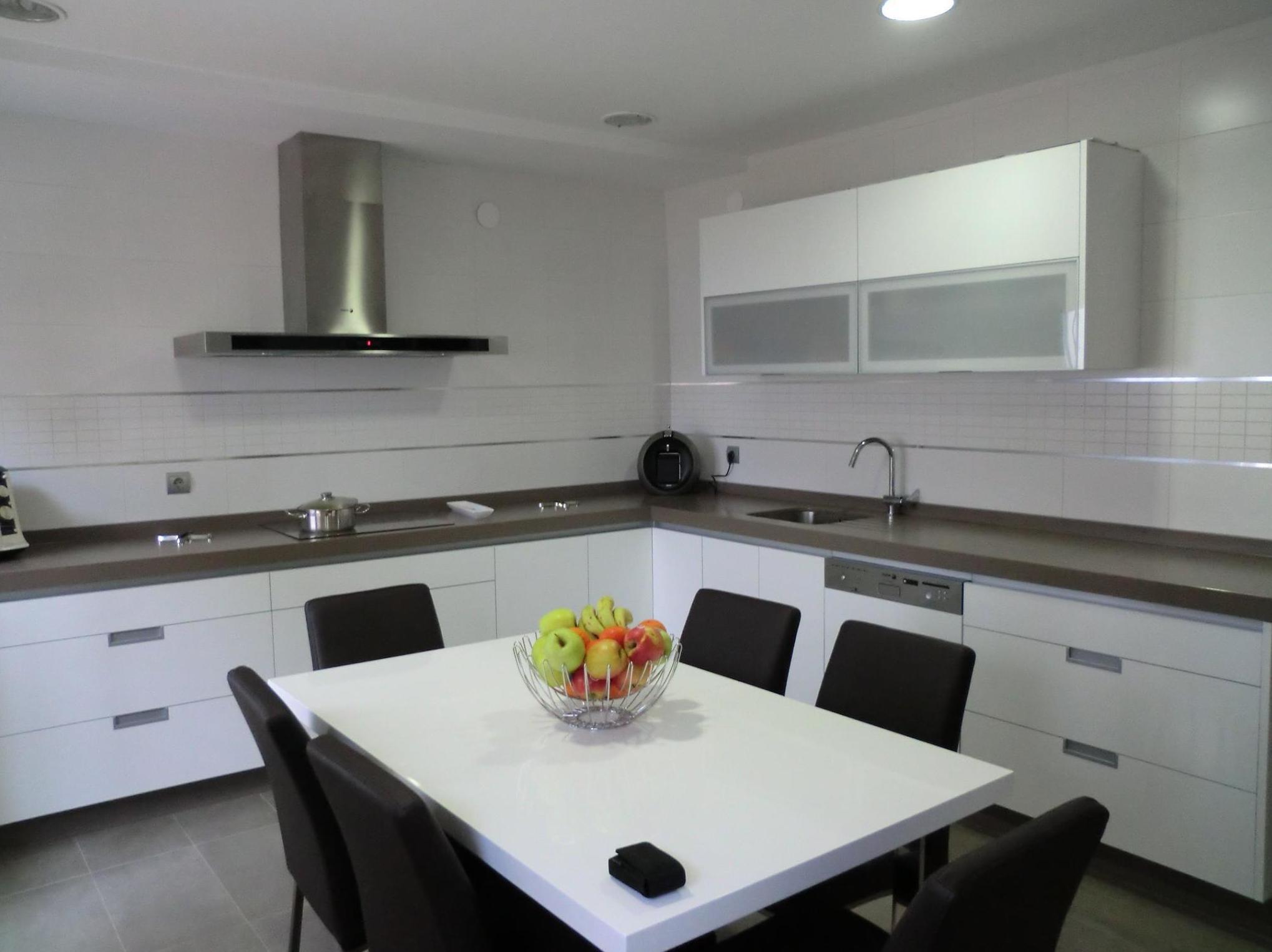 Diseño, fabricación y montaje de cocinas en Benalúa (Granada)