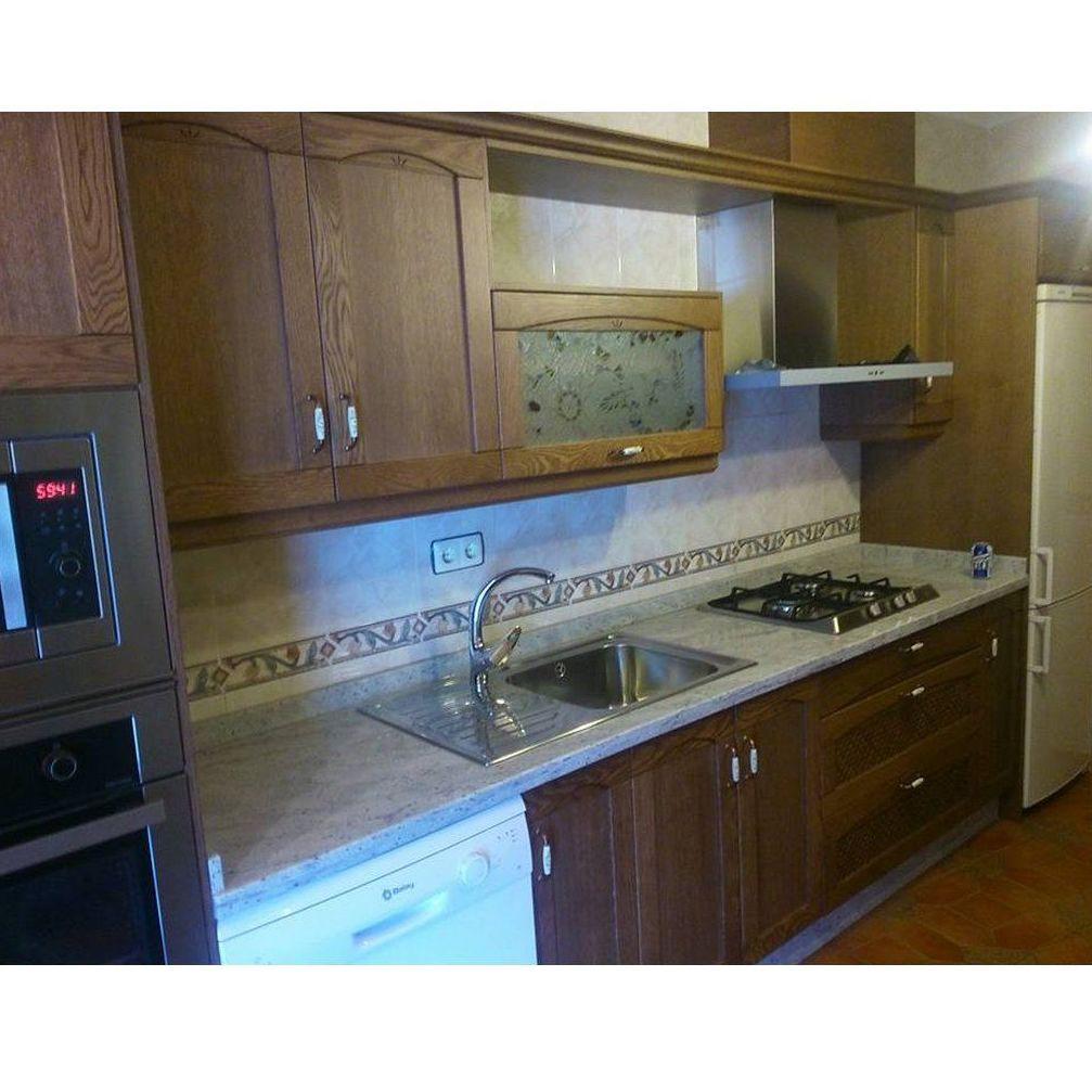 Cocina de madera de roble trabajos realizados de cocinas for Cocinas de madera de roble