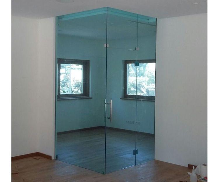 Paredes y puertas de cristal