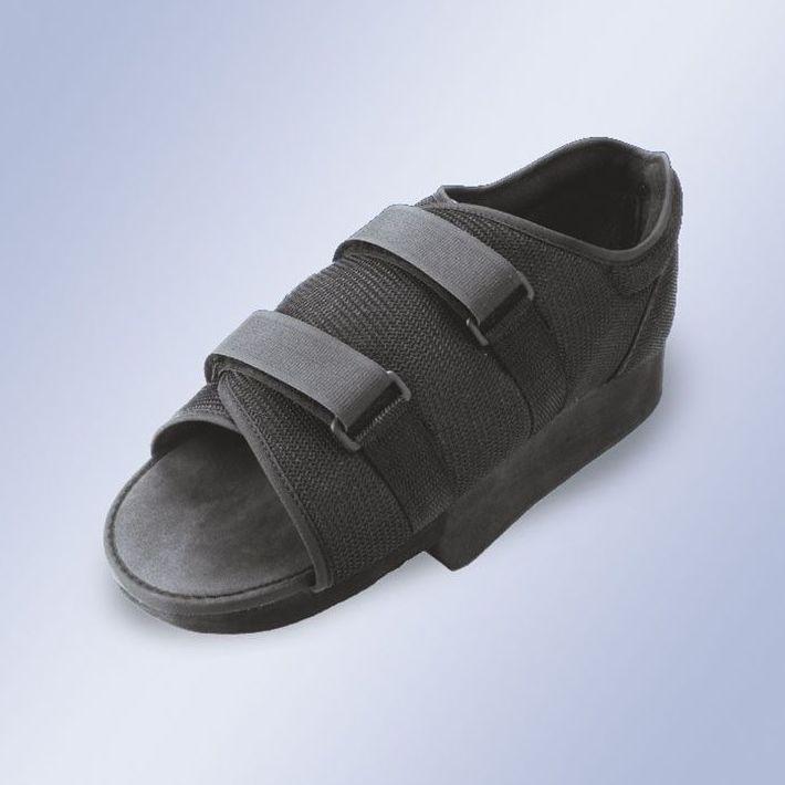 Zapatos postquirúrgico en talo: Productos y servicios de Ortopedia Delgado, S. L.