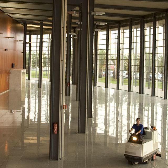 Servicios de conserjería y control de accesos: Servicios de Jarmant Versalles