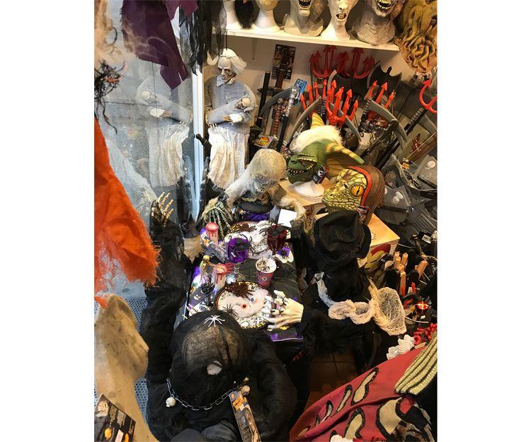Alquiler de complementos para disfraces en Barcelona