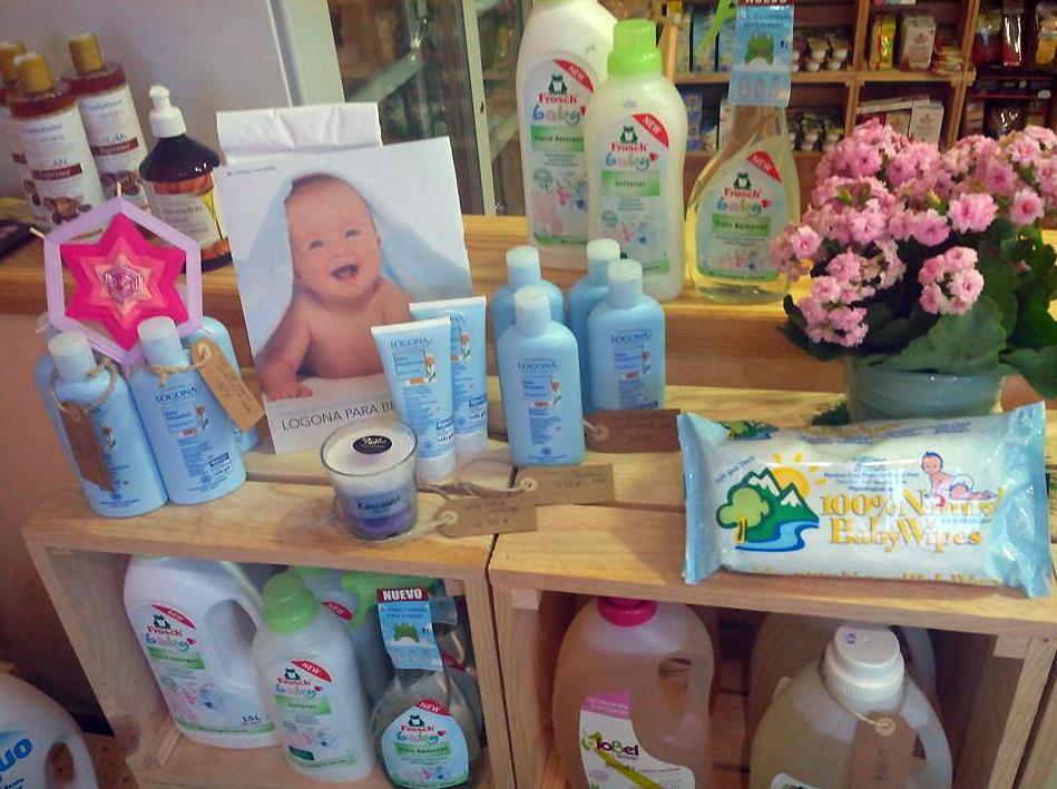 Línea completa de productos ecológicos para el cuidado y la higiene del bebé