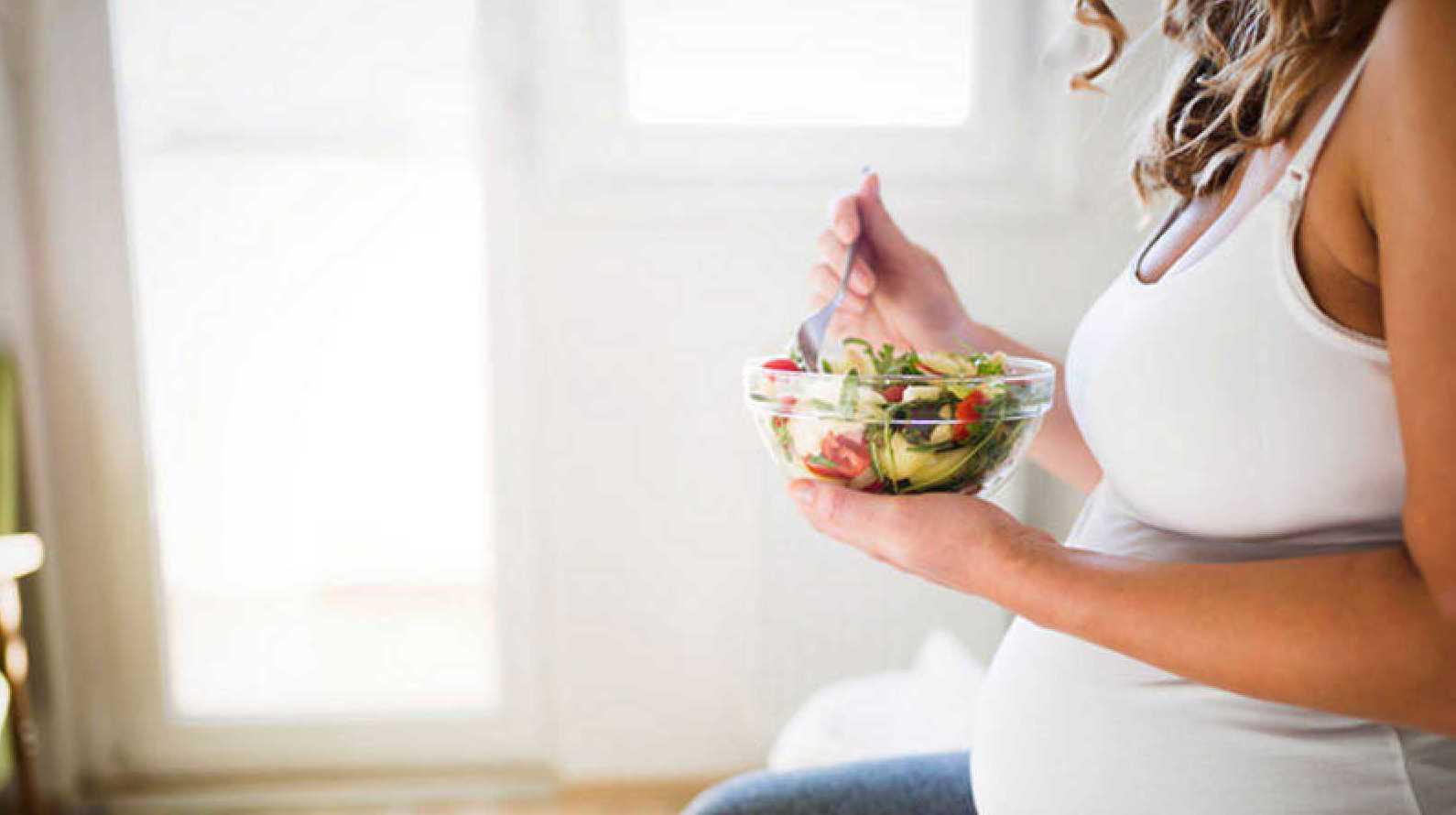Las embarazadas que siguen una dieta mediterránea tienen menos riesgo de que sus hijos sean obesos