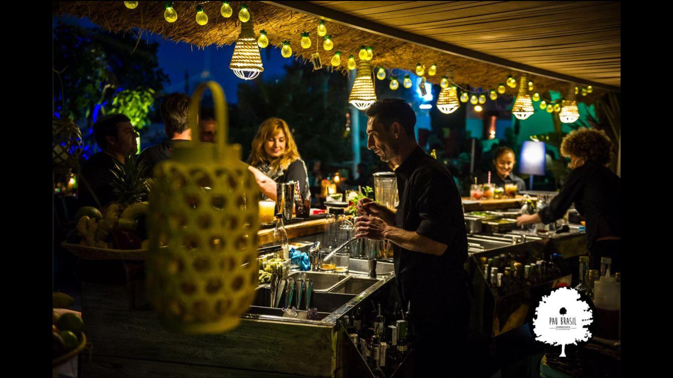 Cócteles y música en directo en Ibiza